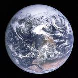 599px-Apollo17WorldReversed